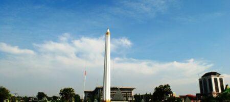 Tugu 10 November Surabaya