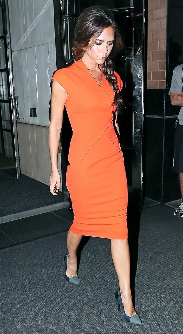 Model Dress Selutut Cantik Lengan Pendek Victoria Beckham 2